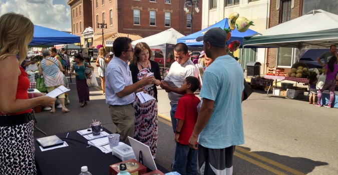 CDG Principal, Antonio Rosell discusses the study with citizens at a pop-up event